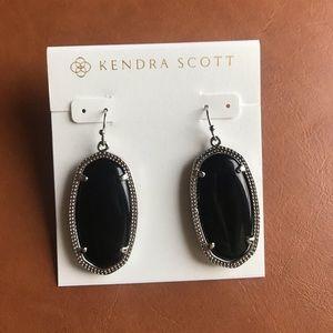 SALE! Kendra Scott ELLE Silver earrings in black